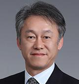 栄藤 稔 氏